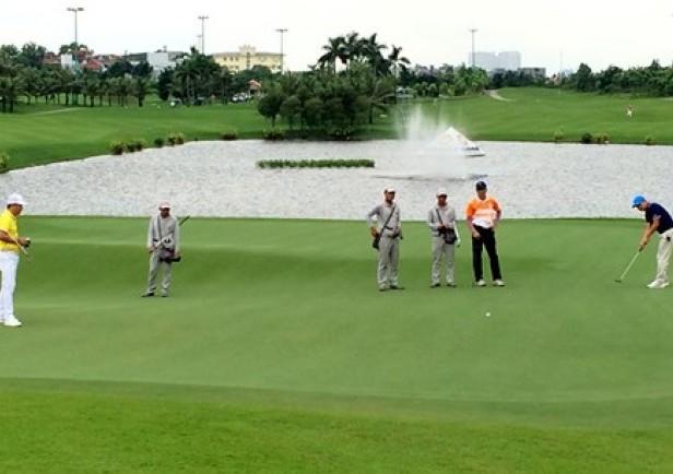 10% quà tặng Hole in one tại giải Golf GFS sẽ được làm từ thiện